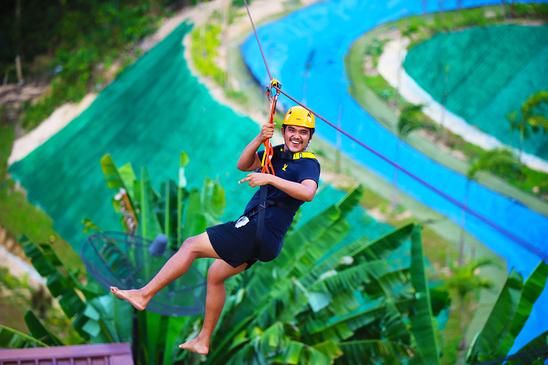 Zipline tour near Phuket in Phangnga